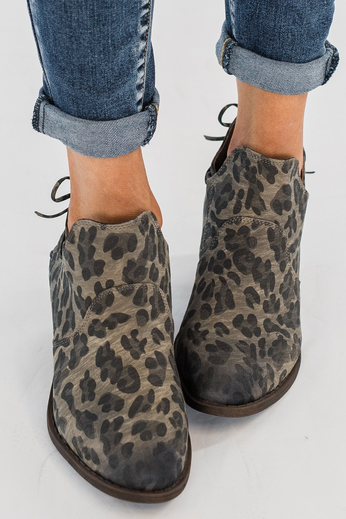 Size 7.5 Very G Womens Twinkle Round Toe Ankle Fashion Boots Leopard