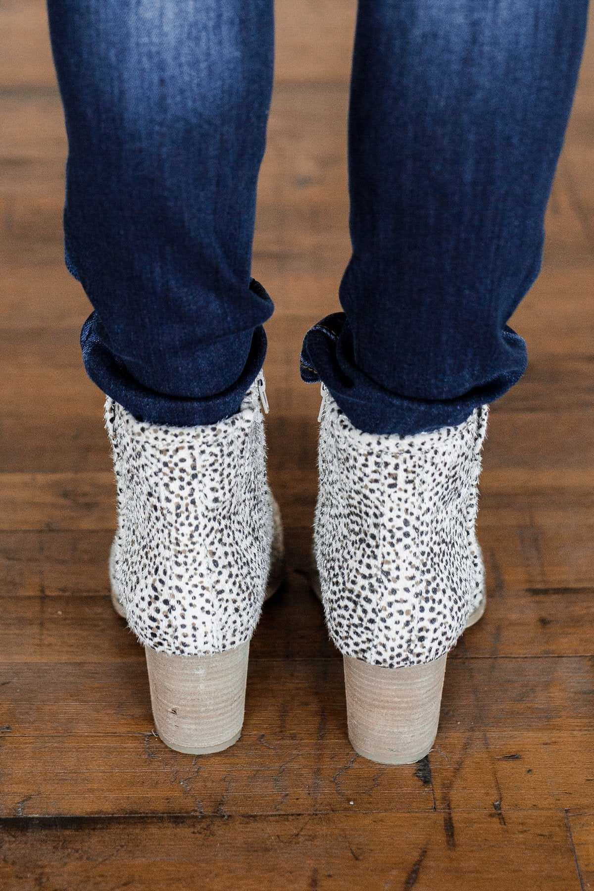 Very G Leo Booties- Beige