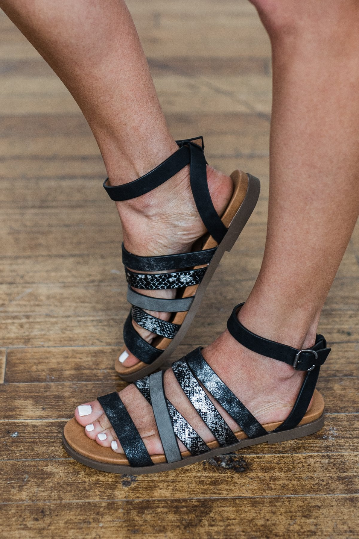 Very G Virginia Sandals- Black