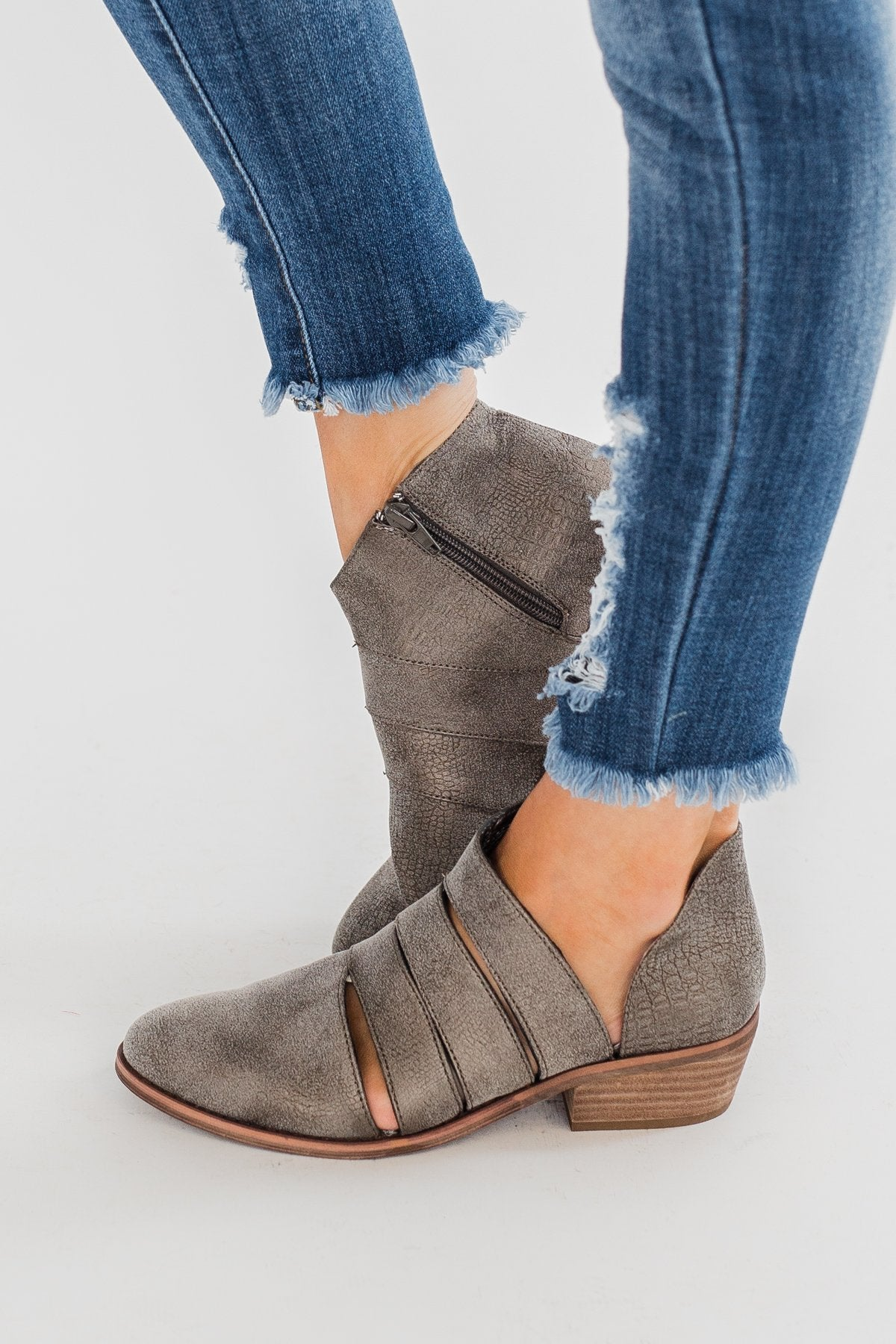 Very G Hop Along Booties- Grey