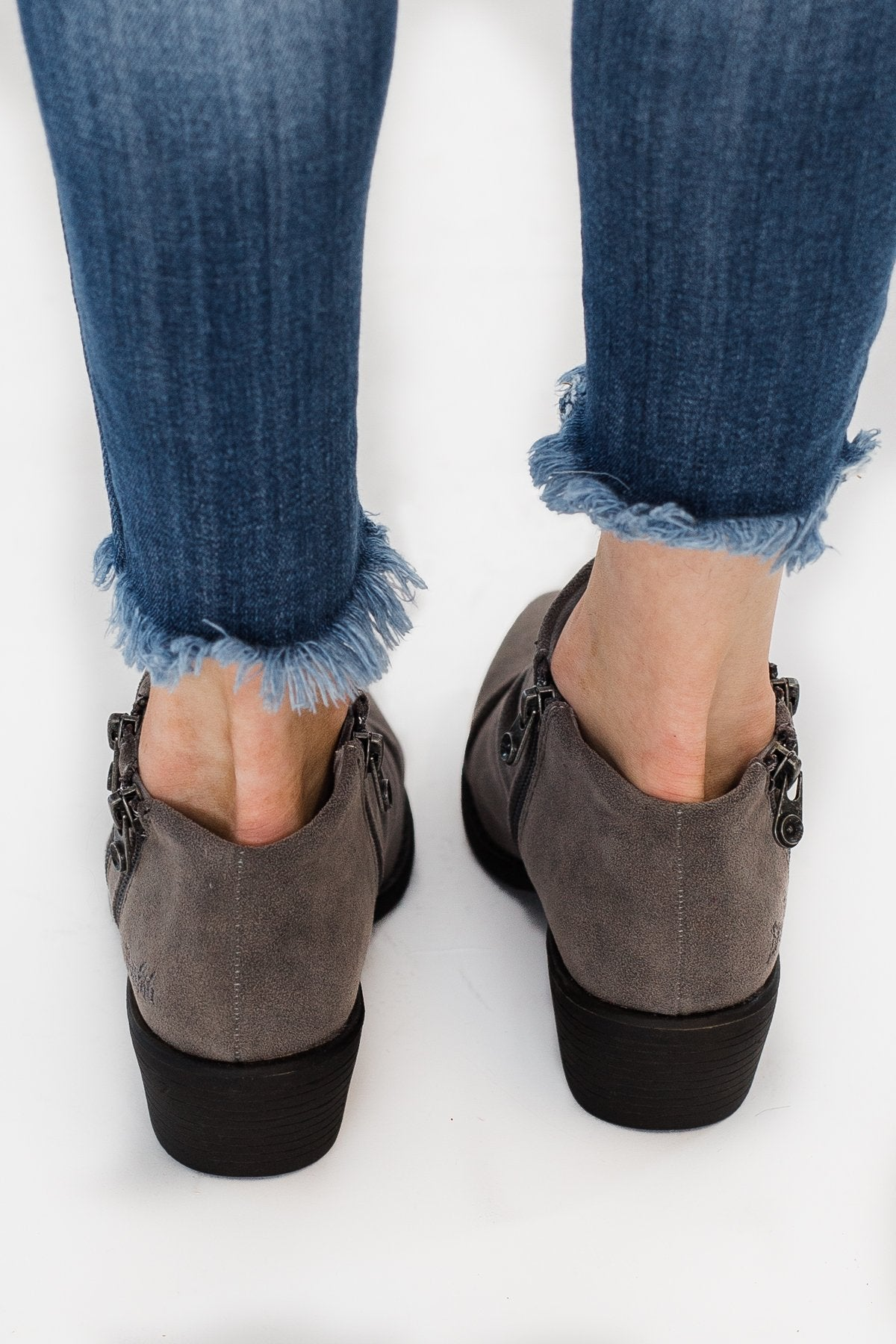 Blowfish Wander Booties- Smoke Rocky Oak