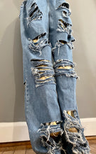 Load image into Gallery viewer, Distressed Denim Pants