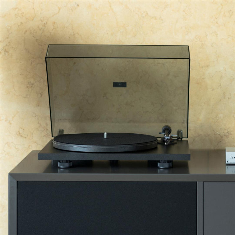 Pro-Ject Primary E Plug & Play Turntable