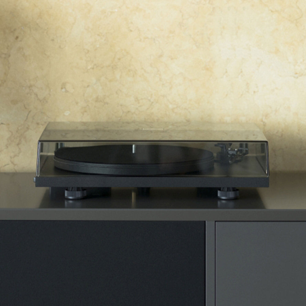 Pro-Ject Primary E Phono Plug & Play Turntable