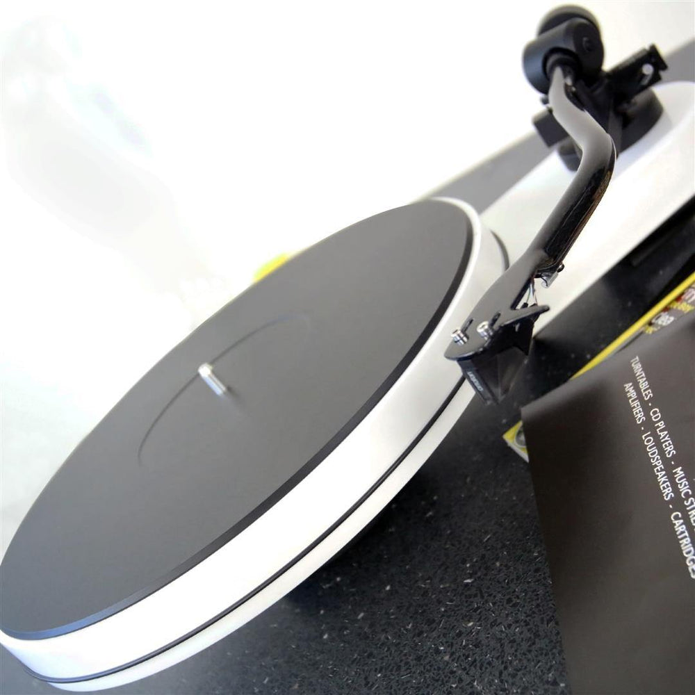 Pro-Ject RPM 3 Carbon Turntable - Joe Audio