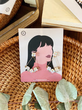 Load image into Gallery viewer, Floral Dangle Earring