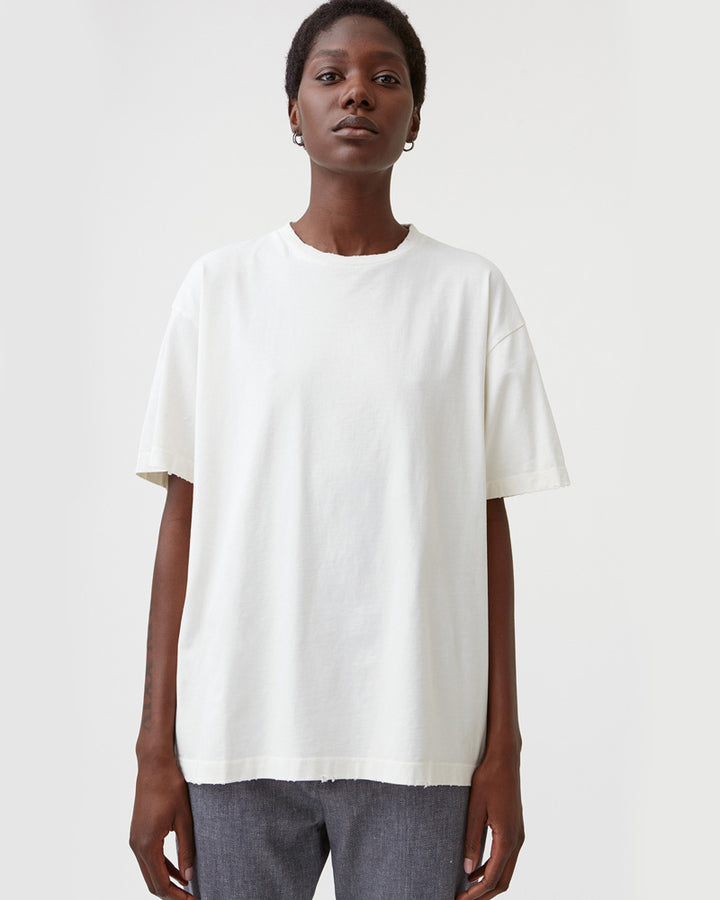 Set Tee in Off White