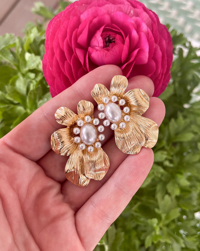 gold & pearly floral studs