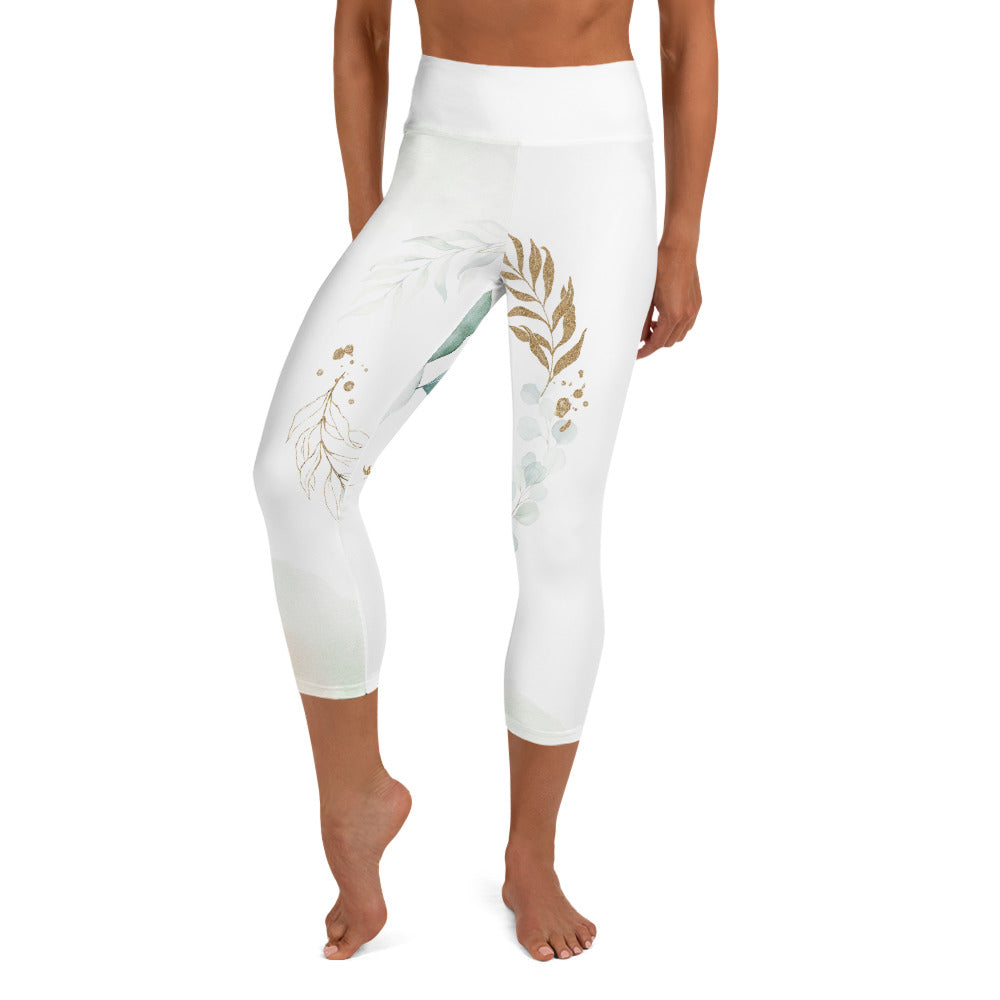 Yoga-Capri-Leggings im trendigen Gold-Blatt-Design für jeden Anlass (New York Gold) - Yoga & Soul Fashion