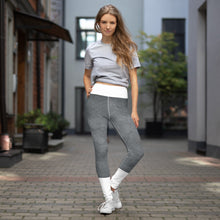 Lade das Bild in den Galerie-Viewer, Yoga-Leggings in einem hellen steingrau mit Marmorierung (Elegance) - Yoga & Soul Fashion