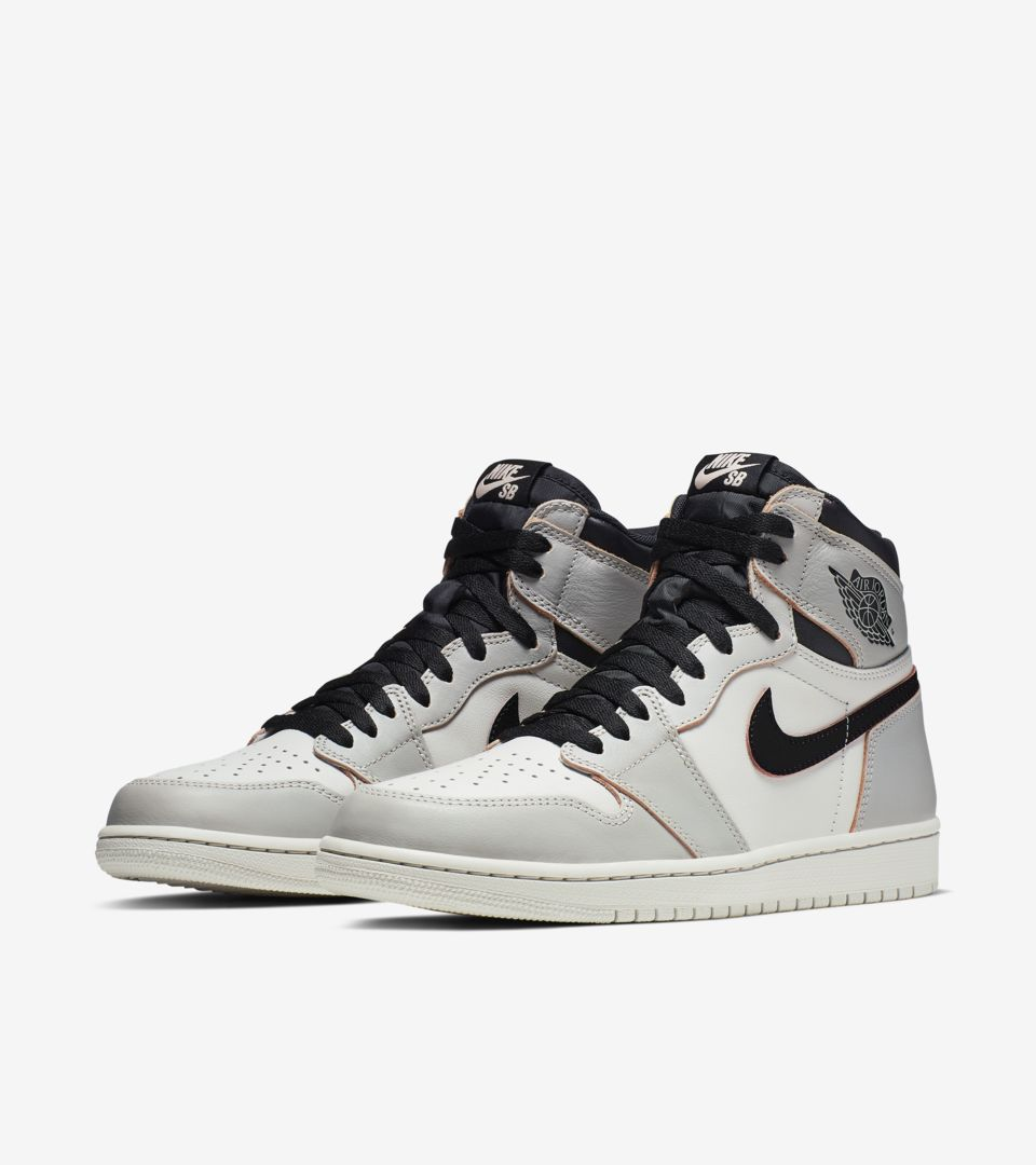 NIKE SB AIR JORDAN 1 HIGH OG DEFIANT NEW YORK - PARIS