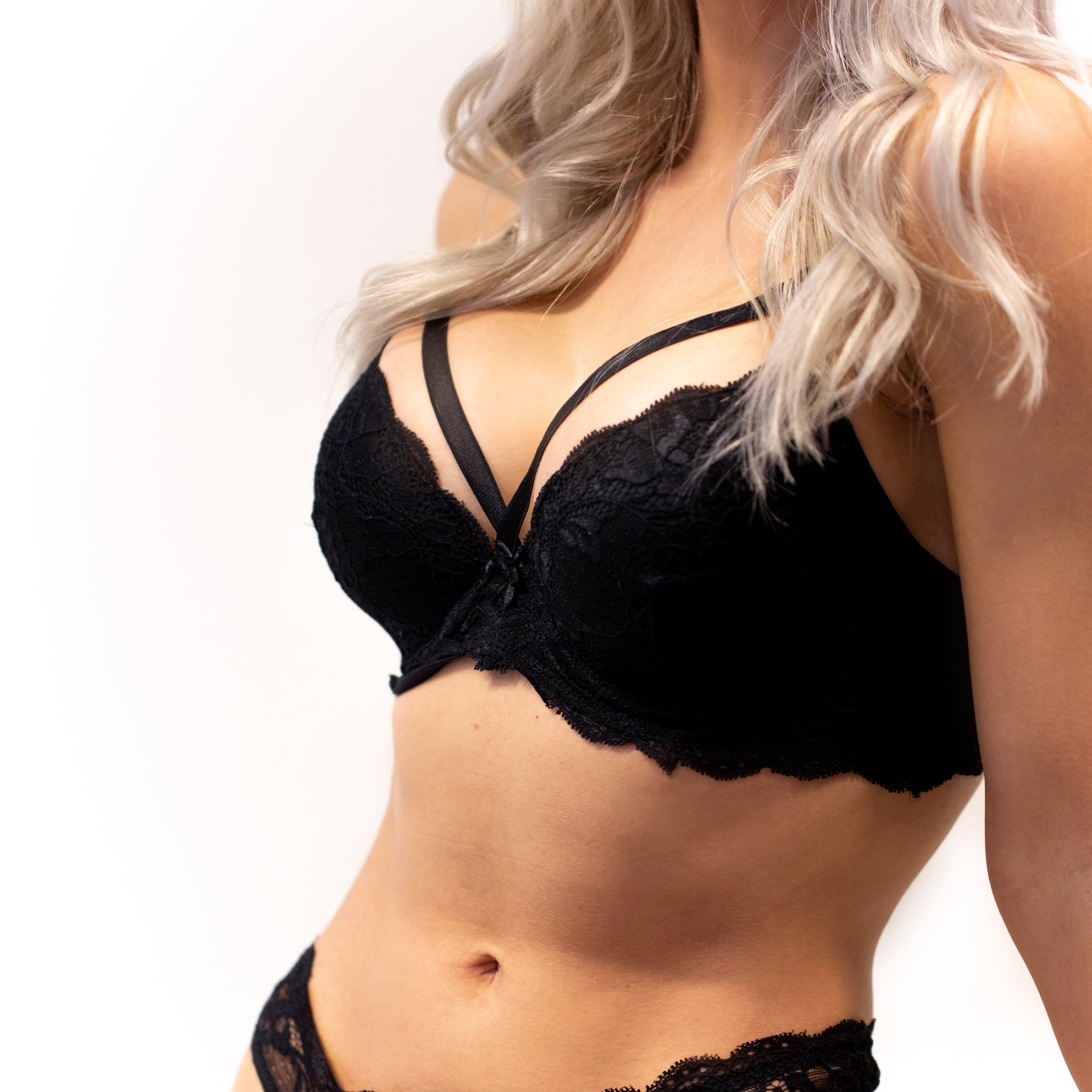FAVORITE Padded Strap Bra - Black