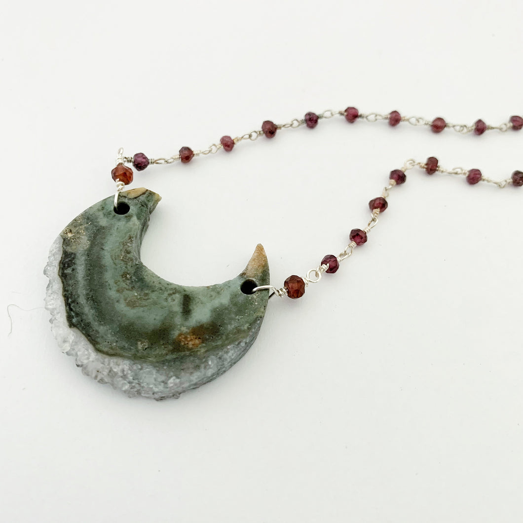 Sea of Avalon Necklace / Garnet / Agate / Clear Quartz