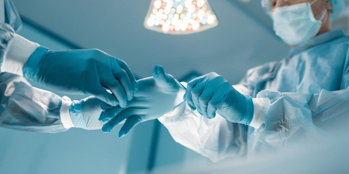 when should sterile gloves be worn
