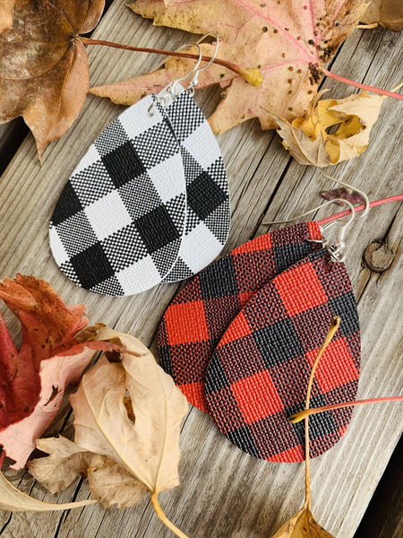 Earrings • Buffalo plaid • White/black • Red/black • Wholesale orders welcome.