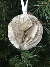 Load image into Gallery viewer, Memoirs of a Geisha Book Page Christmas Ornament