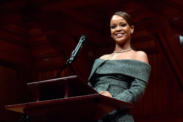 https://www.splurgehandbags.com/blogs/journal/watch-rihannas-harvard-humanitarian-2017-award-speech