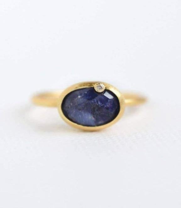 FELIX Z DESIGNS - Gold Sapphire Oval Diamond Ring