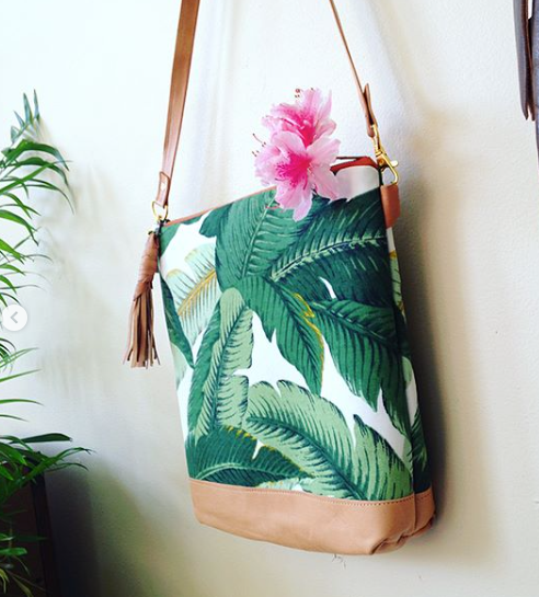 Melmax Design - Large Palm Crossbody Bag