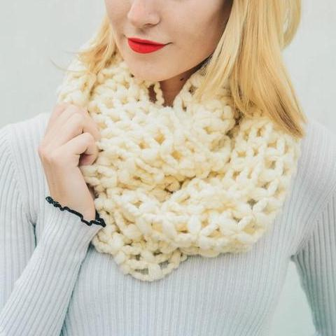 THE NET KNIT INFINITY SCARF