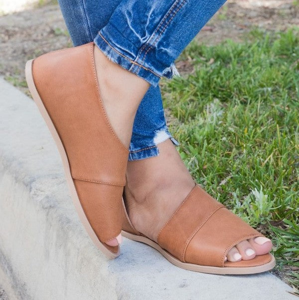 THE ZOEY OPEN TOE FLAT