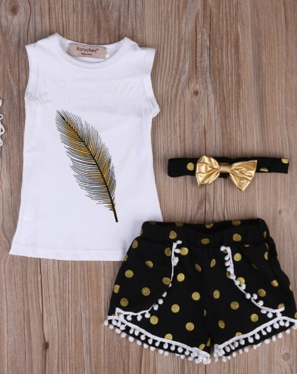 LIGHT AS A FEATHER SHORT SET