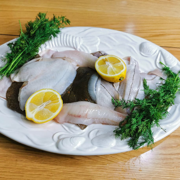 Our most popular box, The Fish box. Our Catch of the day box is such superb value for money, all fish from Cornwall. We deliver to Bristol, Somerset, Bath, Weston Super Mare, Taunton, Newport, North Somerset, and Gloucestershire. Order your fish and meat with us today, order online or by phone.