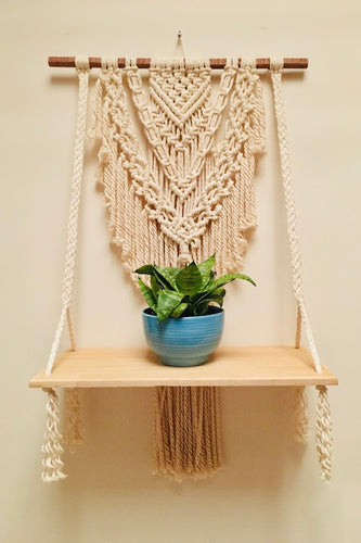Handcrafted Macramé 'Boho' Wallhanging Shelf
