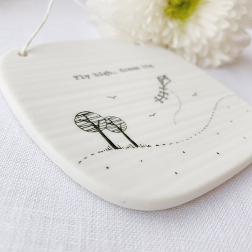 Llun Porslen | East of India Porcelain Hanging Picture – Fly High Dream Big