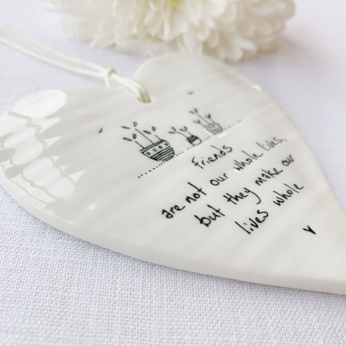 Calon Borslen | East of India Porcelain Hanging Heart – Friends
