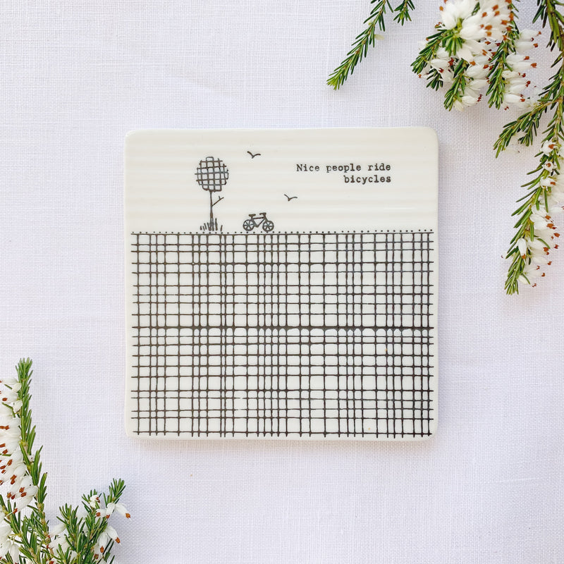 Mat Diod Porslen | Porcelain Coaster - Nice People Ride Bicycles