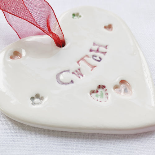 Calon Serameg - Cwtch | Ceramic Heart - Cwtch