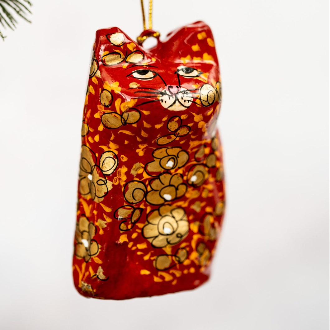 Red & Gold Clover Leaf Hanging Cat