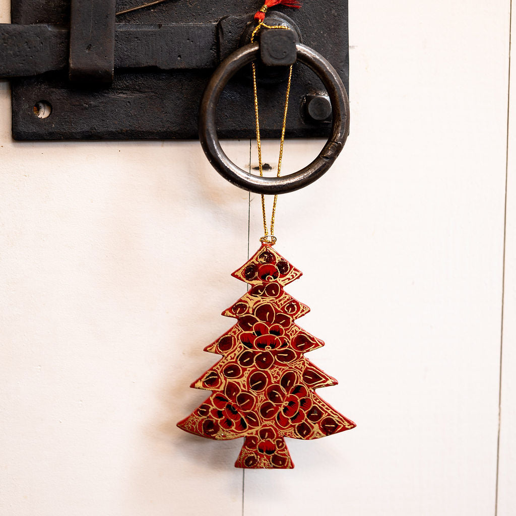Red and Black Pebble Hanging Christmas Tree