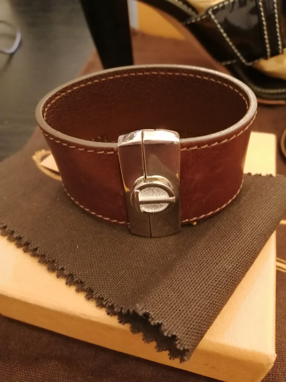 Tod's brown leather bracelet