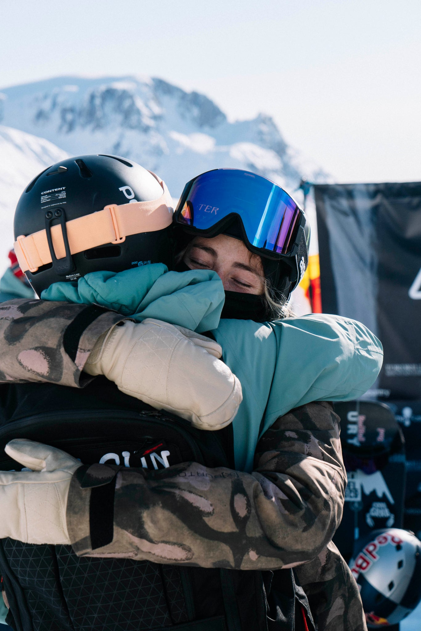 Zoe and Robin // p: Dean Blotto Gray/Natural Selection Tour/Red Bull Content Pool
