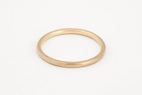 Petite Band Yellow Gold