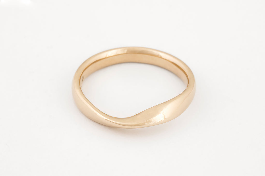 Mobius Yellow Gold Ring