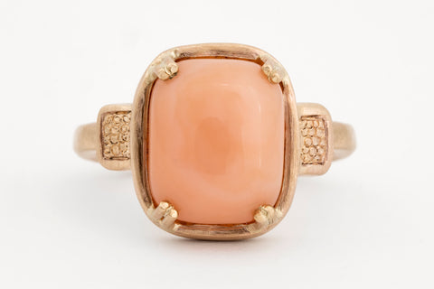 Pink Agate Yellow Gold Ring
