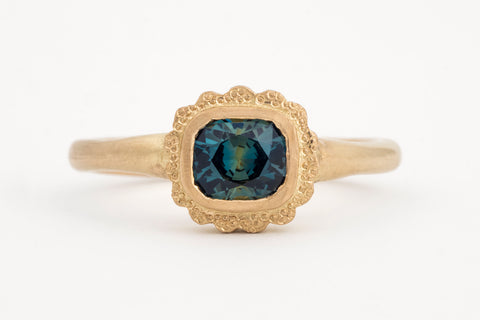 Madagascan Sapphire Yellow Gold Ring