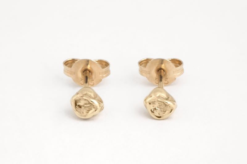 Seed Pod Studs Gold
