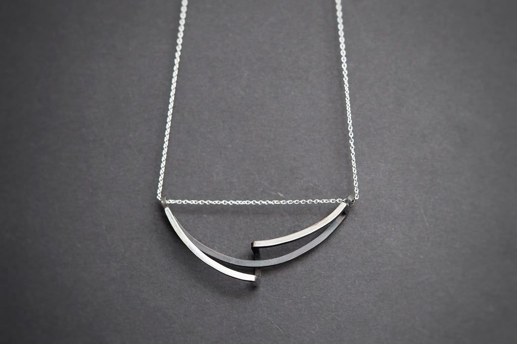 Continuum Curved Necklace Silver
