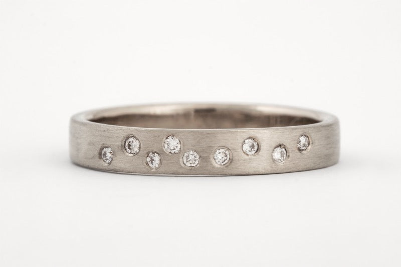 Trail Ring White Gold