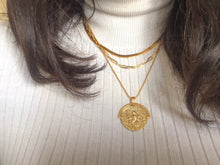 Load image into Gallery viewer, Roman Pendant Necklace