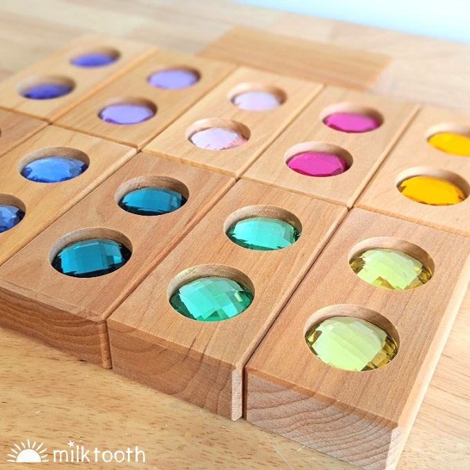 Bauspiel | Colour Street | 11 Blocks | Wooden Blocks with Gems