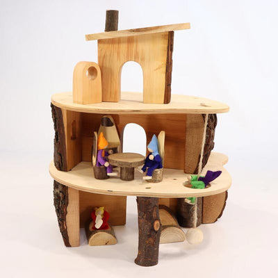 Magic Wood | Felt Family of 6 Dolls in Magic Wood Small Classic Tree House