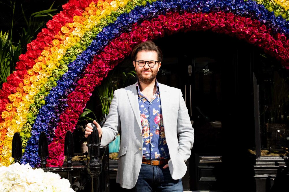 Neill Strain brightens up Belgravia with his Belgravia In Bloom display for the NHS