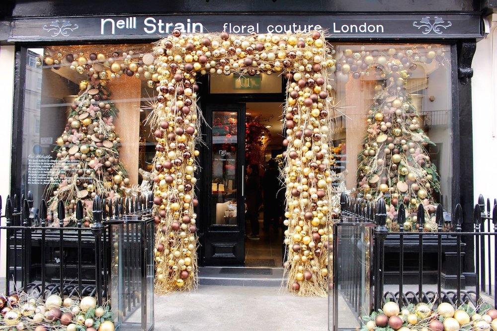 The Neill Strain Floral Couture boutique in Belgravia dressed for Christmas 2016