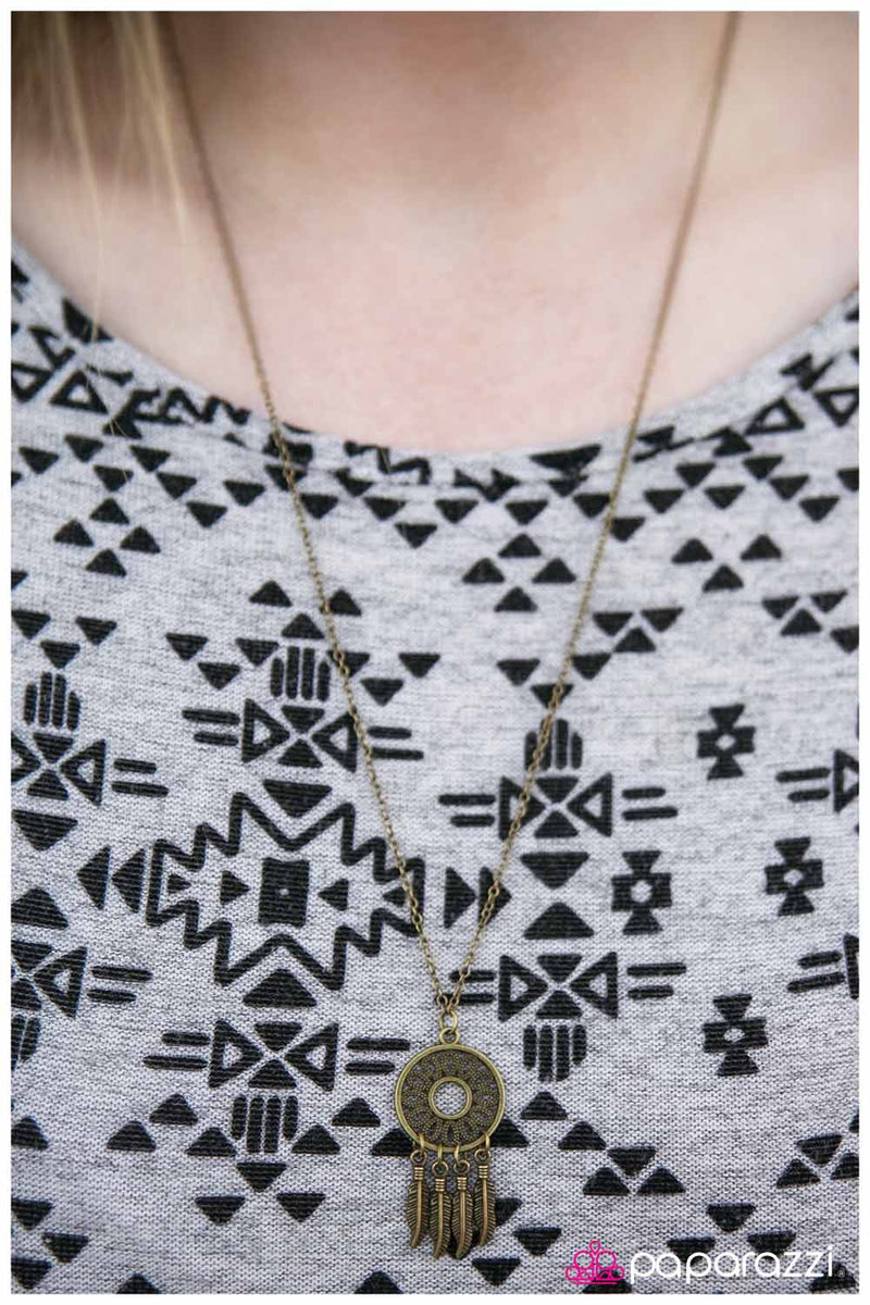 five-dollar-jewelry-the-girl-of-your-dreams-brass-necklace-paparazzi-accessories