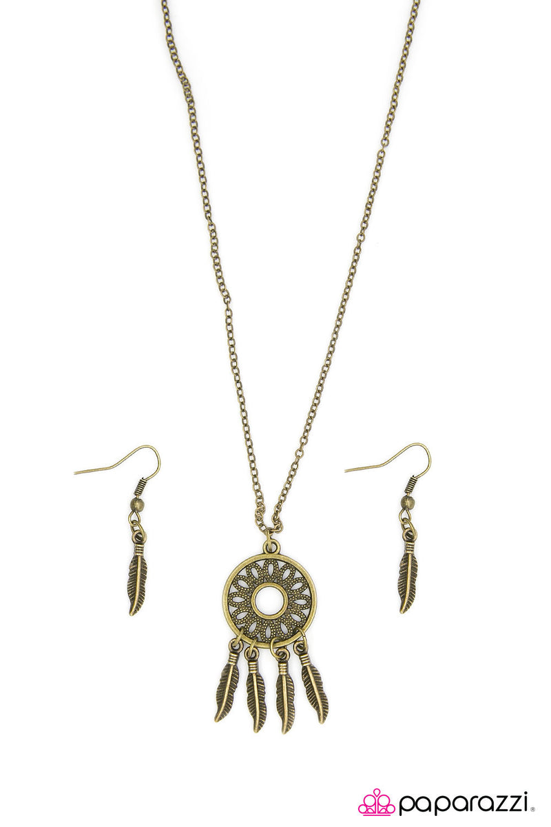 The Girl of Your Dreams - Brass Necklace - Paparazzi Accessories